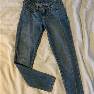 Levis ankle jeans